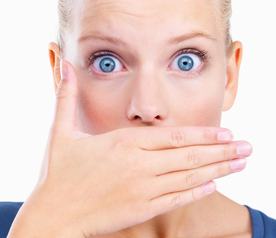 Vas muči slab ustni zadah? Naj vam pomagamo…